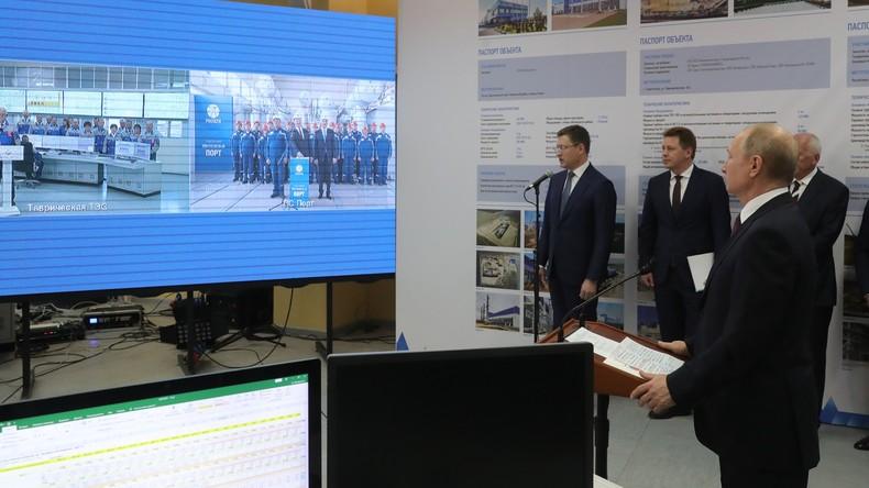 LIVE: Russlands Präsident Putin trifft Einwohner der Krim bei Wiedervereinigungsfeier in Simfereopol