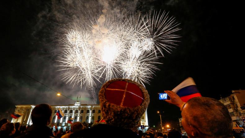LIVE: Feuerwerk zum 5. Jahrestag der Wiedervereinigung der Krim mit Russland