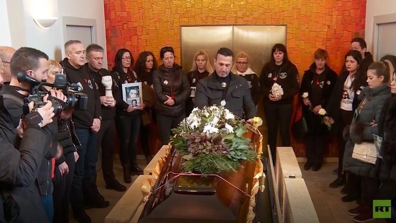Letzte Ruhe im fremden Land: Der ermordete David Dragičević wird ein zweites Mal beerdigt