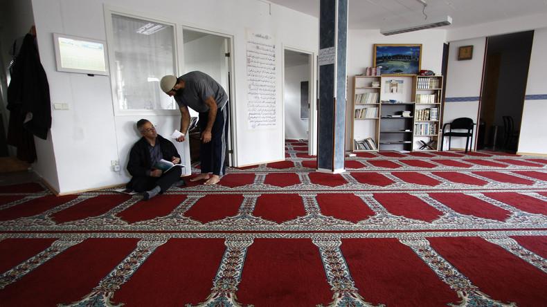 Schwedische Universitätsstudie: Im Westen geborene Muslime sind eher extremistisch als zugewanderte