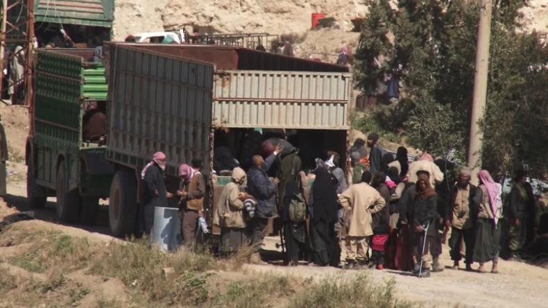 Syrien: IS-Kämpfer der letzten Hochburg bei Baghouz ergeben sich
