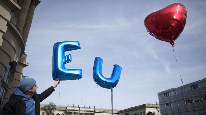 Zum Tag des Glücks: Deutsche am zufriedensten mit EU