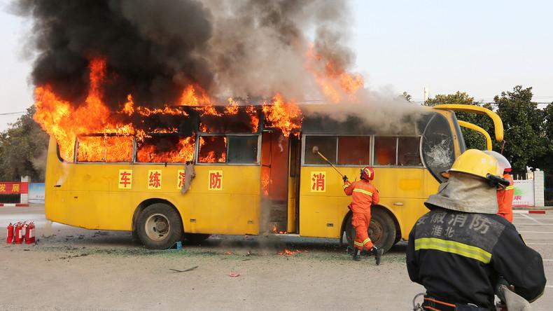 26 Menschen sterben in China in brennendem Reisebus