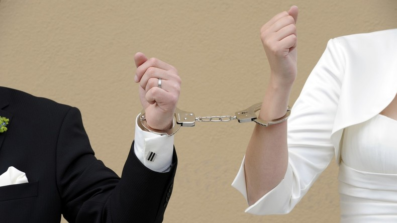 Vermasselte Hochzeit: Spanische Polizei nimmt Brautpaar und Trauzeugen wegen Drogenschmuggels fest