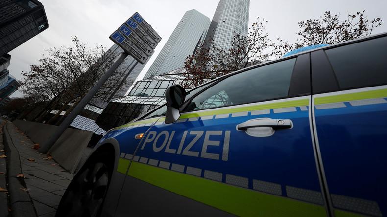 Gewalt bei Flashmob in Frankfurt - Steine fliegen auf Polizei