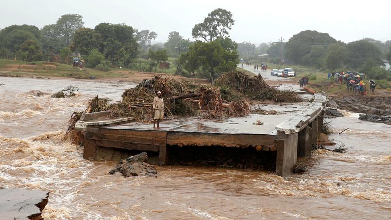 """Simbabwische Behörden befürchten Dammbruch nach """"Idai""""-Fluten"""