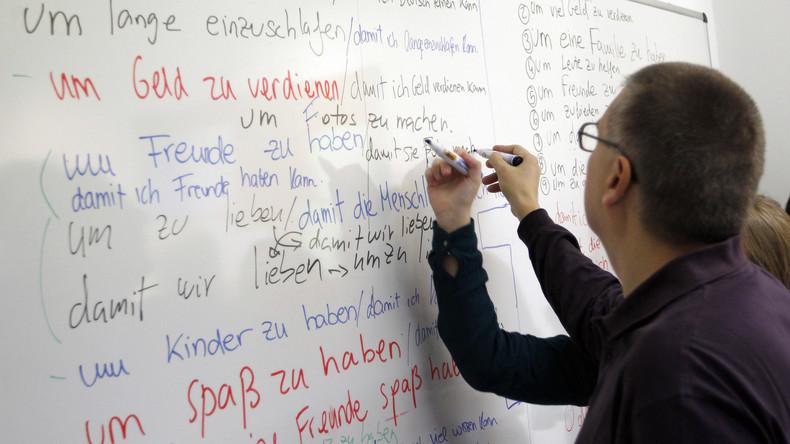 Niederländer werben mit Prämien um Deutschlehrer