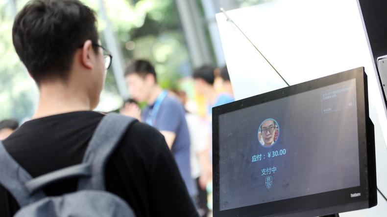 Gesichtserkennungssysteme an chinesischen Flughäfen informieren über Flugstatus und Gate