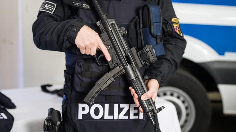 Verhandlung ohne Partner? Ukrainische Polizei meldet Umstieg von Kalaschnikow auf deutsche MP5