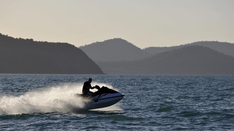 Mann will mit Jetboot aus Australien flüchten – Polizeibeamte greifen rechtzeitig durch