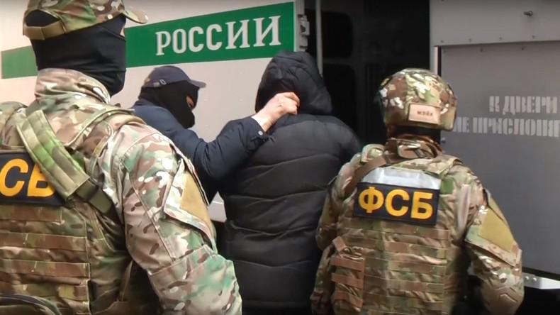 Russischer Inlandsgeheimdienst verhaftet 20 islamistische Terroristen auf der Krim (Video)