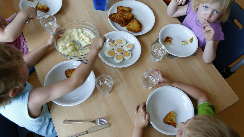 Leverkusen: Mitarbeiterin soll Kita-Essen mit Reinigungsmitteln vergiftet haben