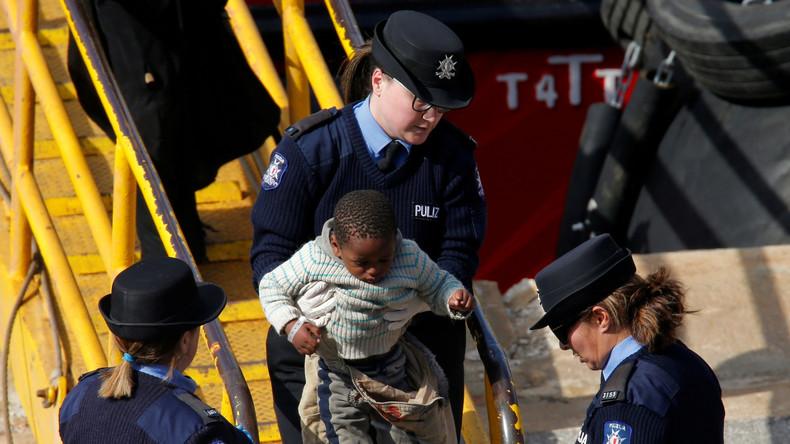 Gekapertes Migranten-Schiff jetzt unter maltesischer Kontrolle (Video)