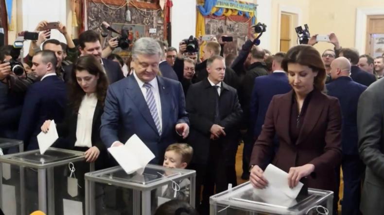 Poroschenko bei Stimmabgabe: Beginn des Weges der Ukraine in EU und NATO