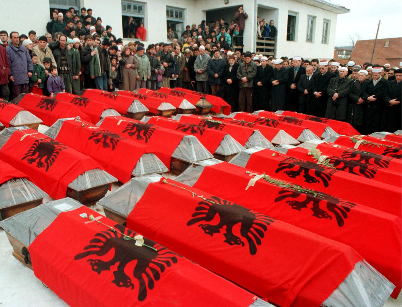 """20 Jahre seit NATO-Angriff auf Jugoslawien: Das """"Račak-Massaker"""" (I) - Teil des NATO-Drehbuchs"""