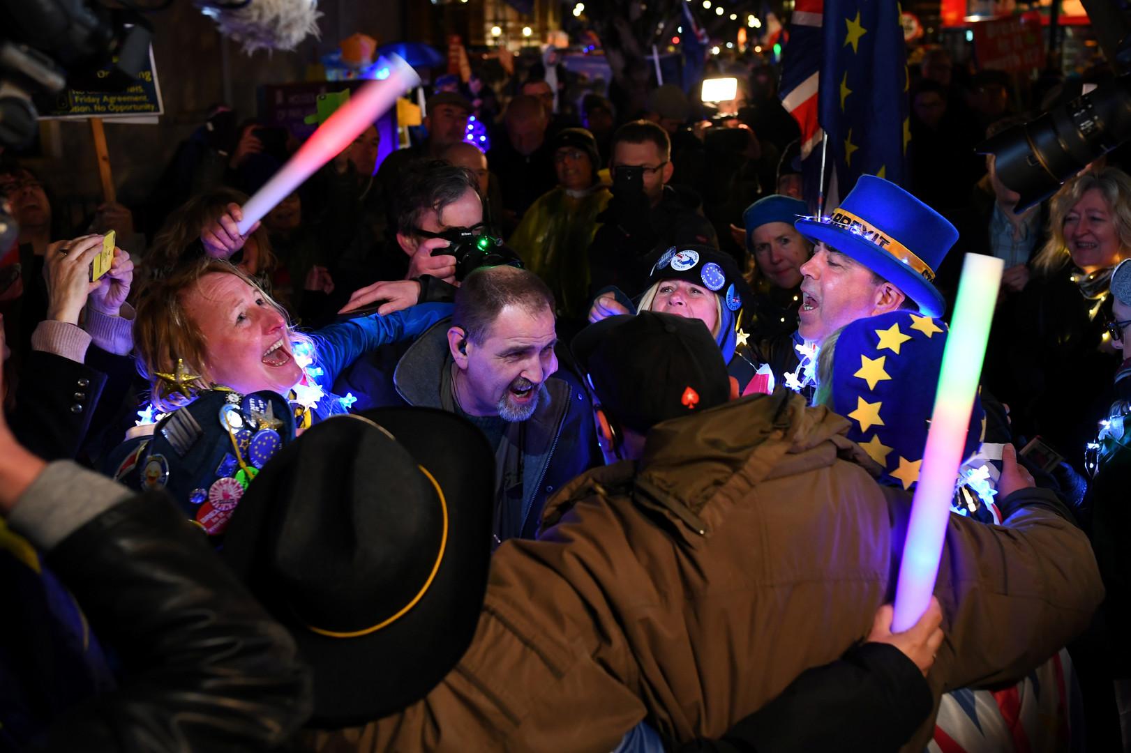 Abstimmung im britischen Parlament über Brexit-Abkommen: Niederlage für May
