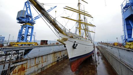 Das Segelschulschiff Gorch Fock in einem Trockendock einer Kieler Werft, 24. Oktober 2011
