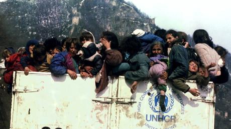 Muslimische Flüchtlinge in einem überladenen UNHCR-LKW am 31. März 1993 während der Evakuierung aus dem belagerten Srebrenica.