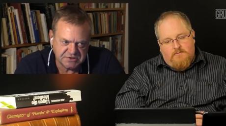 Pohlmann (links) und Fiedler in einer ihrer Sendungen