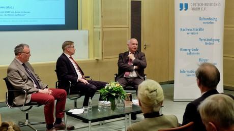 Lüders, Braml und Rahr (von links) während der Diskussion