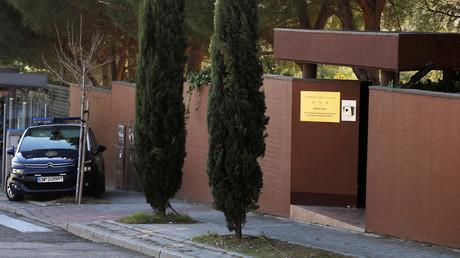 Polizei vor der nordkoreanischen Botschaft in Madrid am 28. Februar 2019