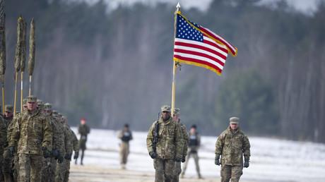 US-Soldaten halten einen Empfang in Zagan/Polen für die auf Rotationsbasis neu eingetroffenen Kollegen ab. Sollte es bald eine permanente Stationierung geben, käme das einem offiziellen Bruch der NATO-Russland-Grundakte gleich.