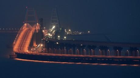 Die neue Krim-Brücke für Auto- und Zugverkehr über die Meerenge von Kertsch.