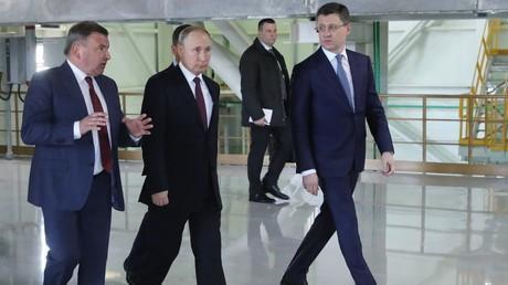 Putin eröffnet zwei Kraftwerke auf der Krim