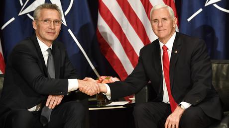 NATO-Generalsekretär Jens Stoltenberg mit US-Vizepräsident Mike Pence bei der Münchner Sicherheitskonferenz 2019. Hat er wirklich gelogen?