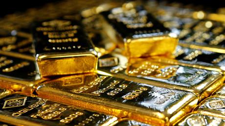 Goldbarren in der österreichischen Gold- und Silberscheideanlage