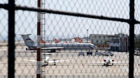 Achtung der Russe kommt nach Caracas...mit einem Passagierflugzeug...