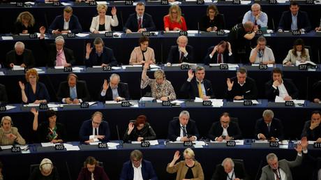 EU-Parlamentarier am Dienstag bei der Abstimmung