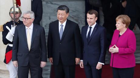 Der französische Präsident Emmanuel Macron mit Bundeskanzlerin Angela Merkel, dem Präsidenten der Europäischen Kommission Jean-Claude Juncker und dem chinesischen Präsidenten Xi Jinping in Paris, Frankreich, am 26. März 2019.