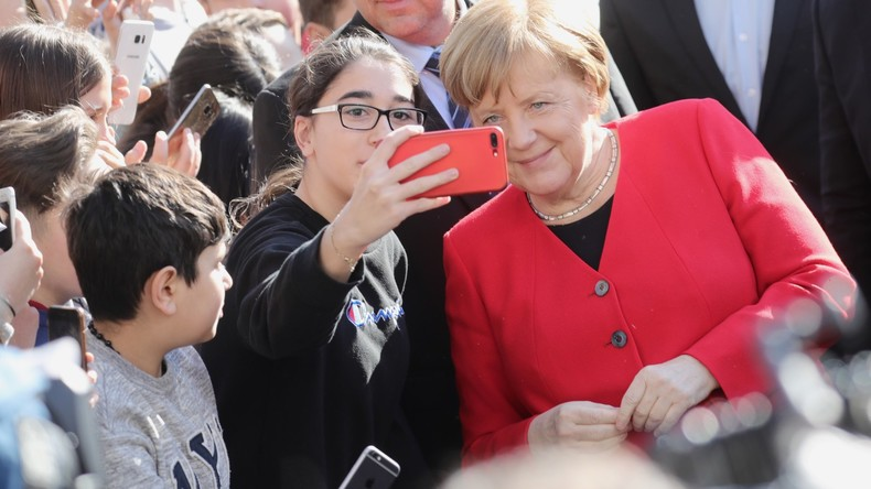 """Merkel besucht Schule in Berlin – """"Ist Deutschland auf eine neue Flüchtlingswelle vorbereitet?"""""""