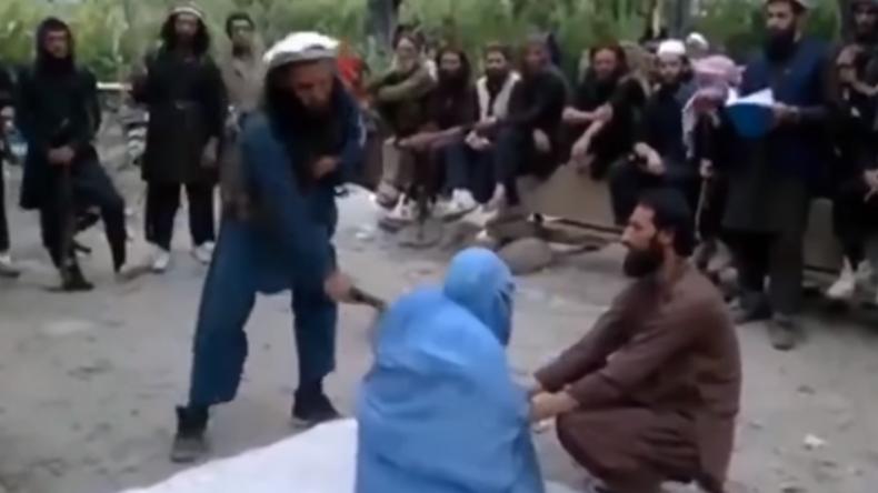Afghanische Taliban peitschen Frauen wegen Hören von Musik aus