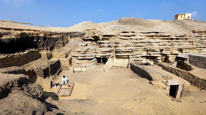 Weiteres Pharaonengrab in der Nähe der Pyramiden von Gizeh entdeckt