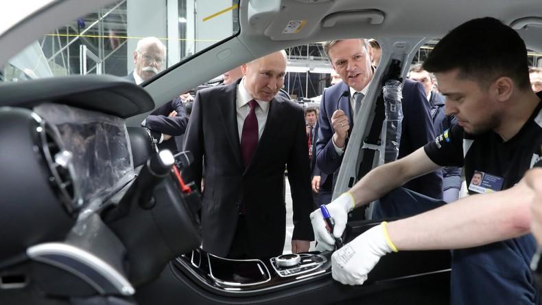 Deutsch-russische Partnerschaft kommt in Fahrt: Daimler AG  eröffnet Mercedes-Benz-Werk bei Moskau