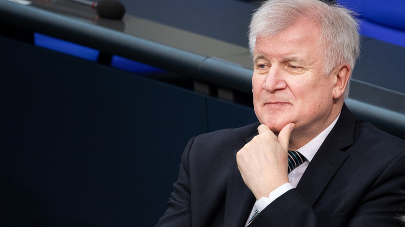 Seehofers Abschiebepläne sorgen bei SPD-Landesinnenministern für Kritik