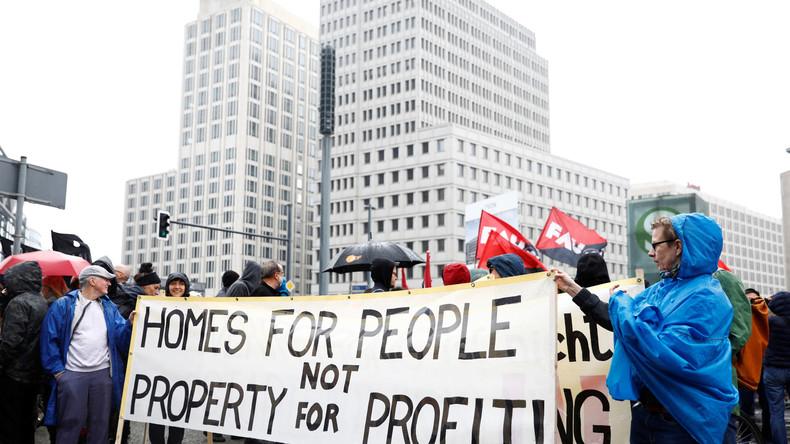 LIVE: Tausende auf Kundgebung gegen Mietpreise und Gentrifizierung in Berlin