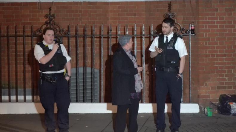 London: Polizei besucht Assanges Unterstützer, die vor ecuadorianischer Botschaft zelten