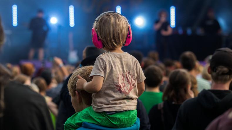 Hart, härter, Russland: Kinderzug mit Rammstein-Begleitung unterwegs