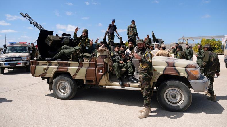 Libyen: Der von der NATO zerstörte Staat versinkt im Bürgerkrieg (Video)