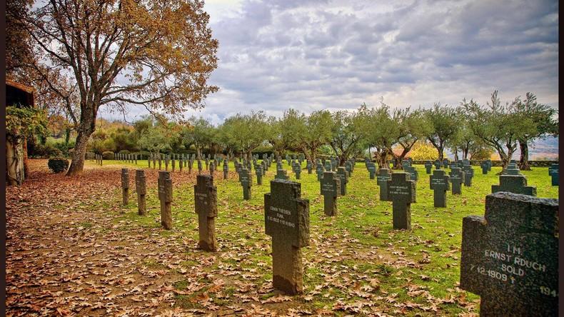 """""""Keine Ehrungen für Nazis"""" – deutsche Kriegsgräber in Spanien geschändet"""