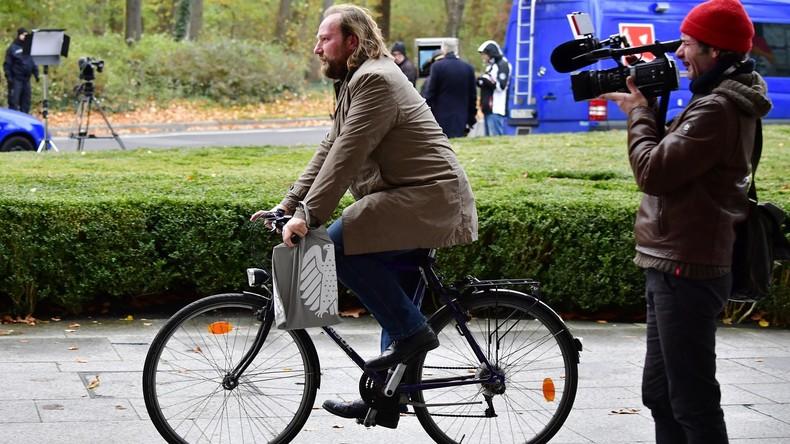 Grünen-Chef Hofreiter fordert: Keine Verbrennungsmotoren mehr ab 2030