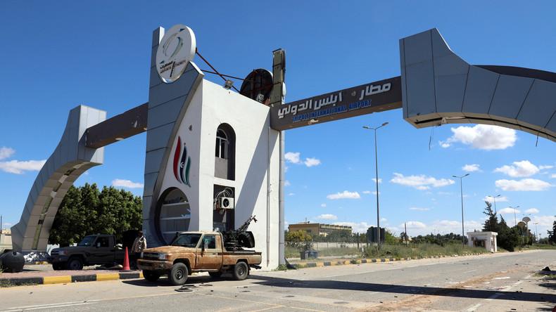 Libyen: Rauchsäulen an Flughafen Mitiga in Tripolis nach LNA-Luftangriffen
