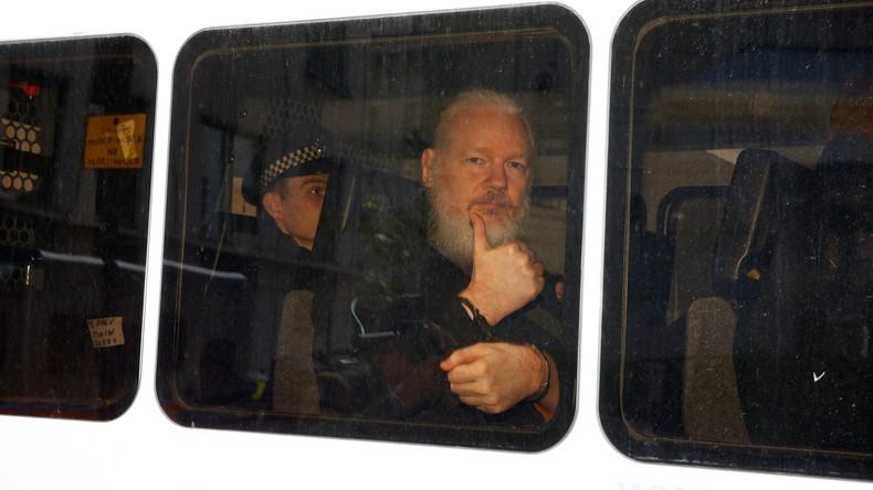 """Assange verliert ecuadorianische Staatsbürgerschaft – USA wollen ihn wegen """"Verschwörung"""" anklagen"""
