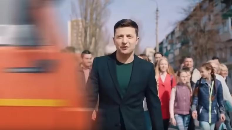 Wahlkampf auf ukrainische Art: Mülllaster überfährt Präsidentschaftskandidaten Selenskij