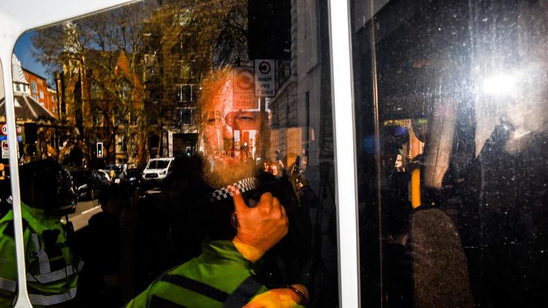 """""""Jetzt gehört er uns!"""": US-Abgeordnete jubeln über Festnahme von Assange"""