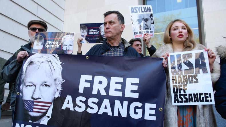 """Ecuadors Außenminister: """"Assange legte in der Botschaft verwerfliches Verhalten an den Tag"""""""