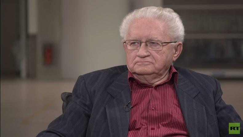 """""""Deutsche Einheit war zentrale Frage der DDR-Außenpolitik"""" - Historiker im Interview"""